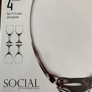 Kitchen - HOME ESSENTIALS SOCIAL WINE GLASSES - 4 COUNT